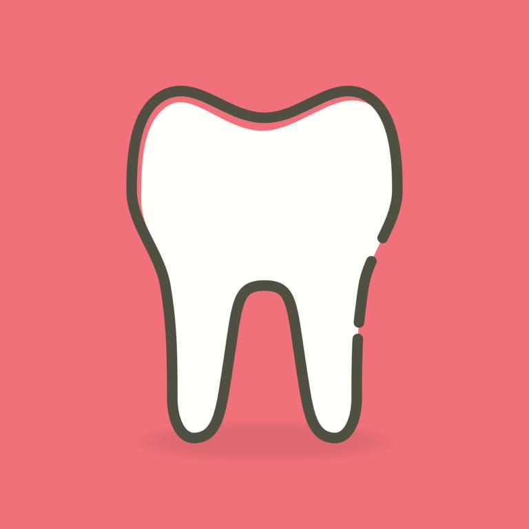 Ładne zdrowe zęby również wspaniały uroczy uśmieszek to powód do zadowolenia.